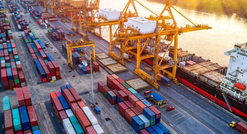Mejora el panorama del comercio global en 2021, pero el Covid-19 persiste como riesgo